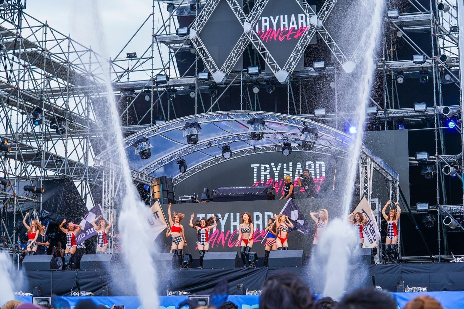 ステージに立つSTELLA JAPAN